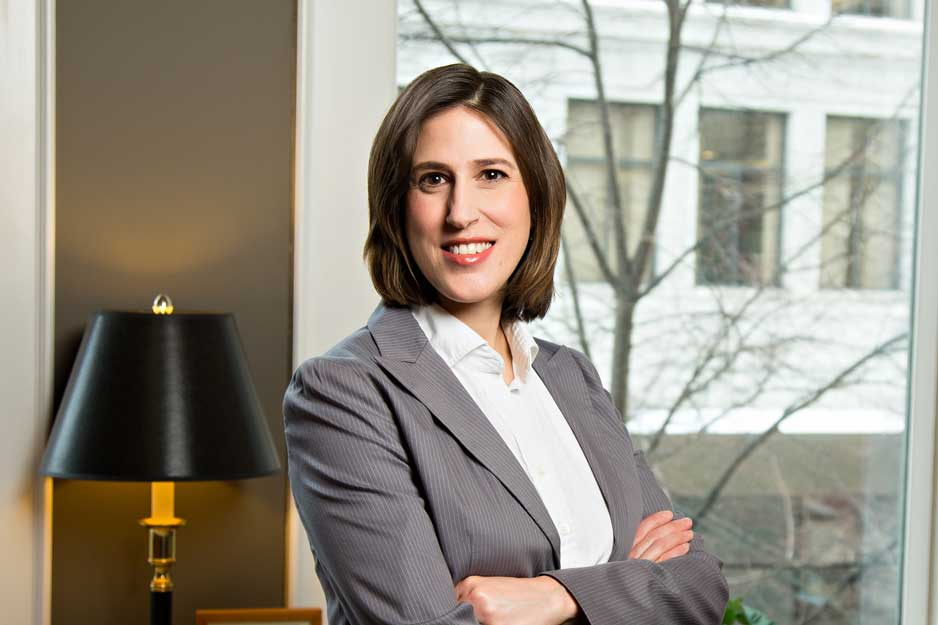 Photo of Attorney Amanda P. Narvaes